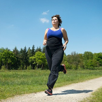 マラソンのタイムは体重に依存するのか