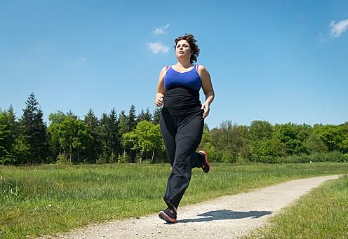 マラソン タイム 体重