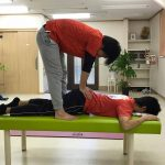 ヤムナボディローリングで筋肉より骨を和らげる