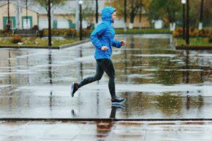 ランニング 雨の日 練習